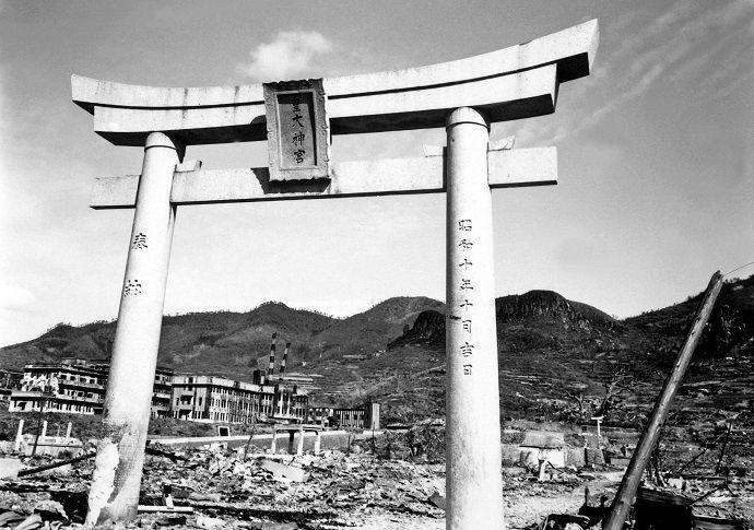 Nagasaki Torii standing after the bomb
